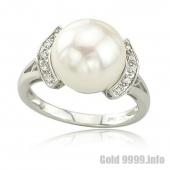 Кольцо из белого золота с жемчугом и бриллиантами